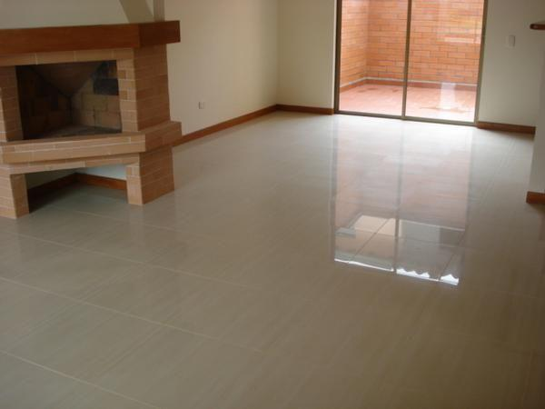 Enchape obra blanca y reformas en medellin for Tipos de pisos para interiores
